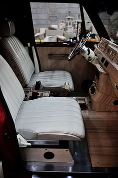 Mitsubishi Pajero -> Hyundai Galloper -> Mohenic Garages redesign - MohenicG for BROWNBREATH <PROJECT B>. www.the.co.kr Mitsubishi Pajero, Land Cruiser Interior, Truck Interior, Mk1, My Dream Car, Dream Cars, Garage Solutions, Car Upholstery, Japan Cars