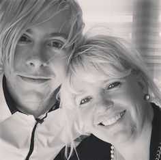 Such a good picture of a mother and her oldest son. So cute, Stormie and Riker Lynch.