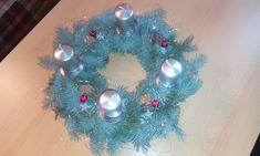 Christmas Wreaths, Christmas Bulbs, Ornament Wreath, Relax, Holiday Decor, Home Decor, Christmas Garlands, Homemade Home Decor, Holiday Burlap Wreath