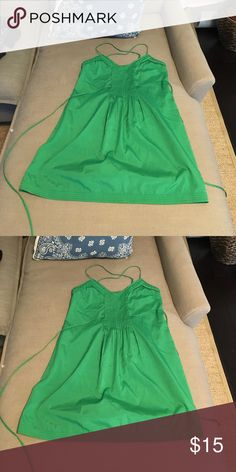 Green dress with tie Perfect day dress! Kelly green. Tie in back. Cross straps. Only worn once! Ecote Dresses Mini