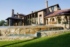 tuscan architecture - presence