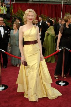 The Valentino gown Cate wore in 2005 channeled old-school Hollywood glamour.