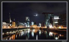 Medienhafen Düsseldorf by night   © akphotographie