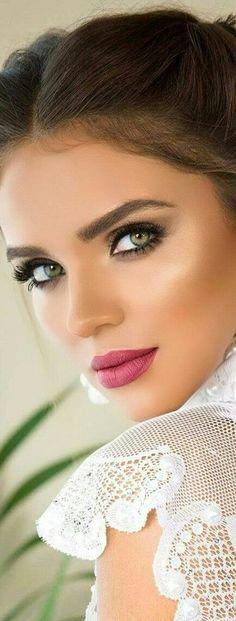 Amazing Wedding Makeup Tips – Makeup Design Ideas Wedding Makeup Tips, Natural Wedding Makeup, Bridal Makeup, Bridal Hair, Natural Wedding Hairstyles, Bride Hairstyles, Beautiful Eyes, Beautiful Women, Makeup Designs