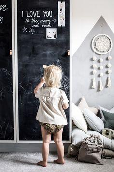 """Harmoni i barnrummet: """"Det är så rogivande att pyssla i Miras rum"""" Barnrummet, Kidsroom, White Wood, Baby Room, Children, Color, Living, Home Decor, Toys"""