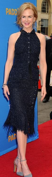Who made Nicole Kidman's button down shirtm blue skirt, pumps, jewelry, and purse? Shirt and skirt – Nina Ricci Shoes – Valentino Jewelry – Fred Leighton Purse – Judith Leiber Nicole Kidman Style, Hollywood Actress Photos, Grey Fashion, Style Fashion, Womens Fashion, Outfits 2016, Celebs, Celebrities, Celebrity Style