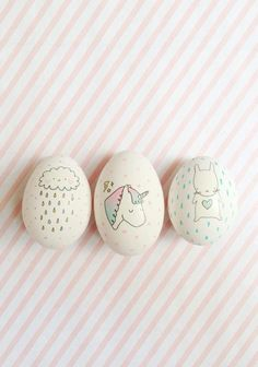 DIY Idea: Decorate easter eggs using temporary tattoos