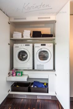 34 Hans Kwinten Interieurprojecten in Bergeijk Simphome Tiny Laundry Rooms, Laundry Closet, Laundry Room Storage, Laundry Room Design, Laundry In Bathroom, Küchen Design, Living Room Interior, Home Deco, Living Room Designs
