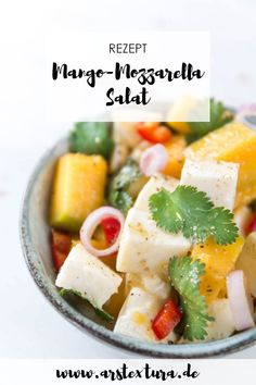 Mango Mozzarella Salad - Soulfood for the winter - Best of Veggie - vegetarische Rezepte - Watermelon Diet, Watermelon Recipes, Fresh Vegetables, Veggies, Mozzarella Salat, Mango Salat, Tomato Sandwich, Grilled Tomatoes, Energy Snacks