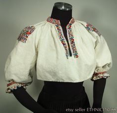 1930s era very cute embroidered folk costume blouse from Durcina Slovakia- traditional Slovak kroj | peasant linen top | floral | ethnic top
