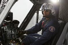 Será o piloto de helicóptero de resgate e salvamento, Ray (interpretado por Dwayne Johnson) capaz de salvar a filha? ► San Andreas exibido em Junho de 2015 @ Cinema