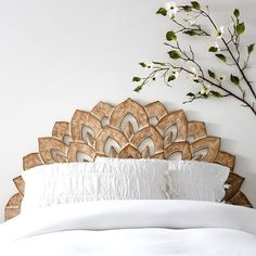 No Nails Wood Carved Faux Headboard https://pagez.fun/10262/these-59-survival-tips-and-tricks