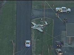 Small plane makes emergency landing in Vine Grove, Kentucky. @WHAS11 http://www.whas11.com/story/news/local/2015/12/04/small-plane-makes-emergency-landing-vine-grove/76801098/