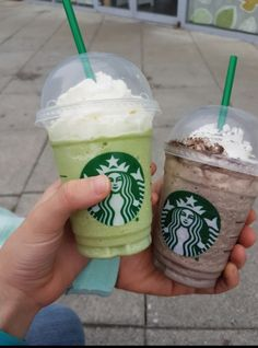 Starbucks Frappuccinos are 50% off! OMFG!!!