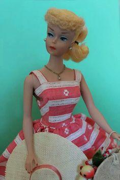 blonde ponytail Barbie in Suburban Shopper