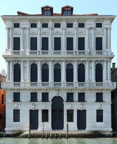 Venezia, Ca' Corner della Regina (barocco). Monuments, Places To Travel, Places To See, Venice Florida, Gallery Of Modern Art, Venice Biennale, Grand Homes, Grand Canal, Romantic Vacations