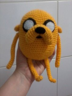 Adventure Time Jake amigurumi With instructions in Spanish Crochet Amigurumi, Amigurumi Patterns, Crochet Yarn, Crochet Toys, Quick Crochet Patterns, Love Crochet, Yarn Projects, Crochet Projects, Adventure Time Crochet