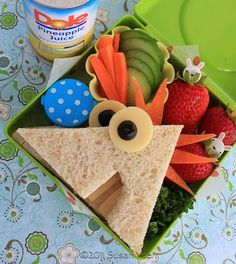 Lunch Idea: Phineas And Ferb Theme. or Last week of school) rcseke Lunch Idea: Phineas And Ferb Theme. or Last week of school) Lunch Idea: Phineas And Ferb Theme. or Last week of school) Cute Food, Good Food, Yummy Food, Phineas Et Ferb, Comida Disney, Boite A Lunch, Little Lunch, School Lunch Box, School School