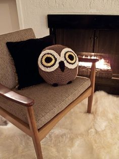 Crocheted Owl Pillow. This little guy looks so cute and I want one just like him.