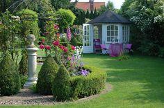 Lieblingsfoto – Wohnen und Garten Foto – de is gardening Cool Diy Projects, Garden Projects, Garden Ideas, Patio Plants, Garden Photos, Shabby Cottage, Outdoor Gardens, Formal Gardens, Garden Inspiration