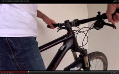 Video: In 1 Minute: How to Straighten Your Handlebars & Tighten Your Headset