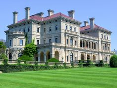 Once a playground for the rich and famous, Newport is known for its Gilded Age mansions on Bellevue ... - Felix Lipov/Shutterstock
