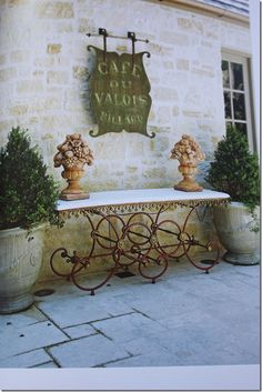 41 Unordinary French Country Patio That Make Your Flat Look Great. If you want to put a touch of je ne sais quoi into your home then why not consider the French country style of interior design. French Country Rug, French Country Kitchens, French Cottage, French Decor, French Country Decorating, French Kitchen, French Style, French Country Gardens, French Farmhouse
