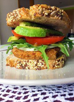 Hamburguesa vegana de lentejas, zanahoria y nueces | La Cazuela Vegana