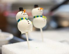 Snowman cake pops (w/ instructions)