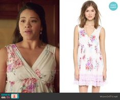 Jane's white and pink floral dress on Jane the Virgin.  Outfit Details: http://wornontv.net/48598/ #JanetheVirgin