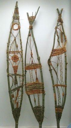 New Photos weaving art nature Ideas Wilde Flechtereien – Faszination Wildkräuter Twig Crafts, Nature Crafts, Diy And Crafts, Crafts For Kids, Arts And Crafts, Weaving Projects, Weaving Art, Art Projects, Weaving Textiles