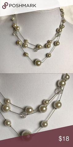"""THE LIMITED PEARL NECKLACE NWOT THE LIMITED PEARL NECKLACE WITH CRYSTALS. CHECK OUT MY CLOSET FOR MATCHING BRACELET. APPROX 16"""" WITH EXTENDER TO ADJUST LENGTH. SORRY NO TRADES. Jewelry Necklaces"""