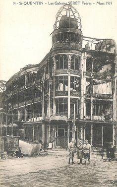 Les anciennes galeries Seret en 1919 (actuellement Paul se trouve juste en bas)