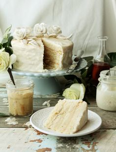 White Chocolate Hazelnut Praliné Champagne Layer Cake (vegan)