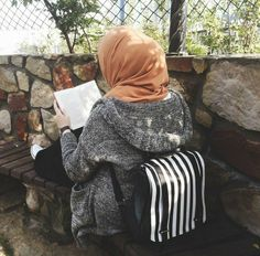 Best Model, Love Reading, Hijab Fashion, Poses, Casual, Style, Figure Poses, Swag, Outfits