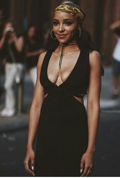Little Black Dress Vintage Photography, Fashion Photography, Pam Grier, Beautiful People, Beautiful Women, Tinashe, Famous Names, Cute Beauty, Female Celebrities