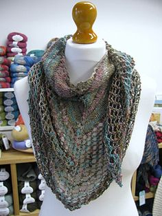 Super Eyelet Shawl by the Woolly Brew. Free pattern!