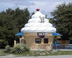 Ice Cream Cone Building - Sarasota, Florida - (Not so sure I'd want a deer pooping on my ice cream! Unusual Buildings, Small Buildings, Interesting Buildings, Amazing Buildings, Amazing Architecture, Creative Architecture, Amazing Houses, Building Structure, Building Design