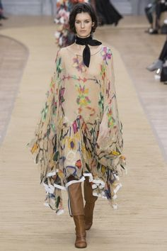 The Chloé is back! See the full Fall 2016 collection now