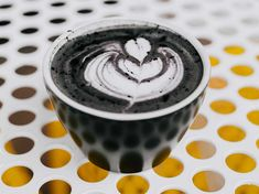 "Black Latte: So good is ""coffee"" with activated charcoal for your body - Abnehmen - Latte, What Is Charcoal, Thank You Letter Examples, Activated Charcoal Face Mask, Wine Jelly, Good Employee, Bubble Tea, Milk Tea, Sciatica"