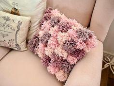 Pom Pom cushion DIY – Dainty Dress Diaries – Rug making Pom Pom Crafts, Yarn Crafts, Diy Pom Pom Rug, Pom Pom Cushions, Craft Stick Crafts, Crafts To Sell, Crochet Patterns For Beginners, Knitting Patterns, Diy Bebe