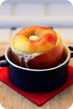 Milchreis mit Apfelkompott, mal andersrum sozusagen. Allerdings muss ich ein Geständnis ablegen: wenn ich mir diesen Bratapfel zum Frühstück...