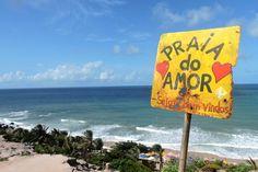 Praia do Amor, a queridinha dos surfistas em Pipa. RN, Brasil. Mais infos: http://maladeaventuras.com/