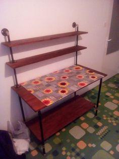 Psací stůl Cca 4000 Kč