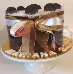 BOLO NO ACETATO - TORTA EN LA MICA - ACETATE CAKE Holiday, Desserts, Wedding, Food, Anniversary Photography, Anniversary Cakes, Pastries, Food Cakes, Tailgate Desserts