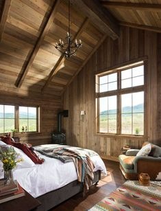 A Modern Take on Old Western Style in Colorado Timber Frame Cabin, Timber House, Timber Frames, Ideas Cabaña, Decor Ideas, Design Your Bedroom, Luxury Cabin, Kabine, Cabin Interiors