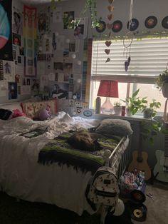 Indie Bedroom, Indie Room Decor, Cute Room Decor, Aesthetic Room Decor, Room Design Bedroom, Room Ideas Bedroom, Bedroom Decor, Bedroom Inspo, Retro Room