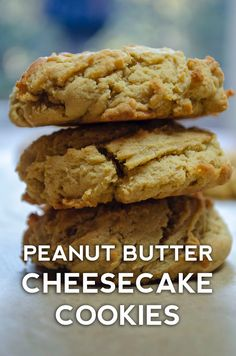 cheesecake cookies With one simple ingredient swap, you end up with a delightful cookie that still has that sweet and salty peanut butter flavor, but also takes on the creaminess of cheesecake and a fluffy texture thats the stuff of dreams. Peanut Butter Cheesecake, Cheesecake Cookies, Peanut Butter Cookie Recipe, Cookie Recipes, Dessert Recipes, Peanut Cookies, Dessert Food, Bar Cookies, Cookie Ideas
