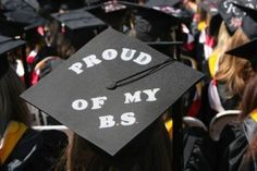 28 Creative Graduation Caps