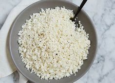 """6 minutes to skinny - Cauliflower Rice Servings) 1 head cauliflower 1 to 2 tablespoons olive oil Salt and freshly ground black pepper, to taste - Watch this Unusual Presentation for the Amazing to Skinny"""" Secret of a California Working Mom Side Dishes For Salmon, Paleo Side Dishes, Best Side Dishes, Salmon Sides, Main Dishes, Best Cauliflower Recipe, Cauliflower Side Dish, Riced Cauliflower, Rice Recipes"""